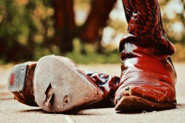 その安全靴はもう捨てなさい!知っておきたい寿命の目安とは